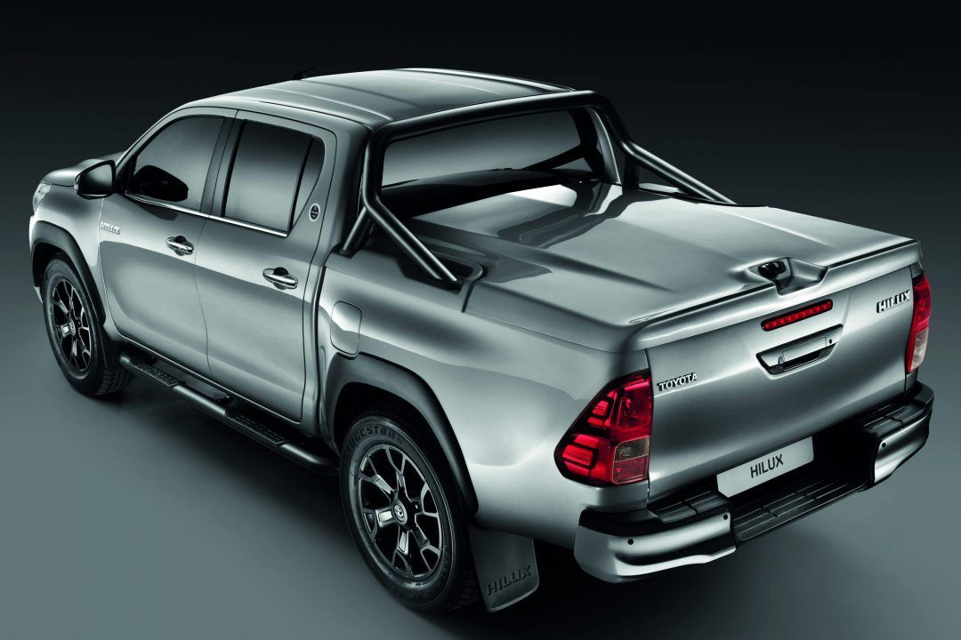 toyota f te 50 ans de hilux. Black Bedroom Furniture Sets. Home Design Ideas