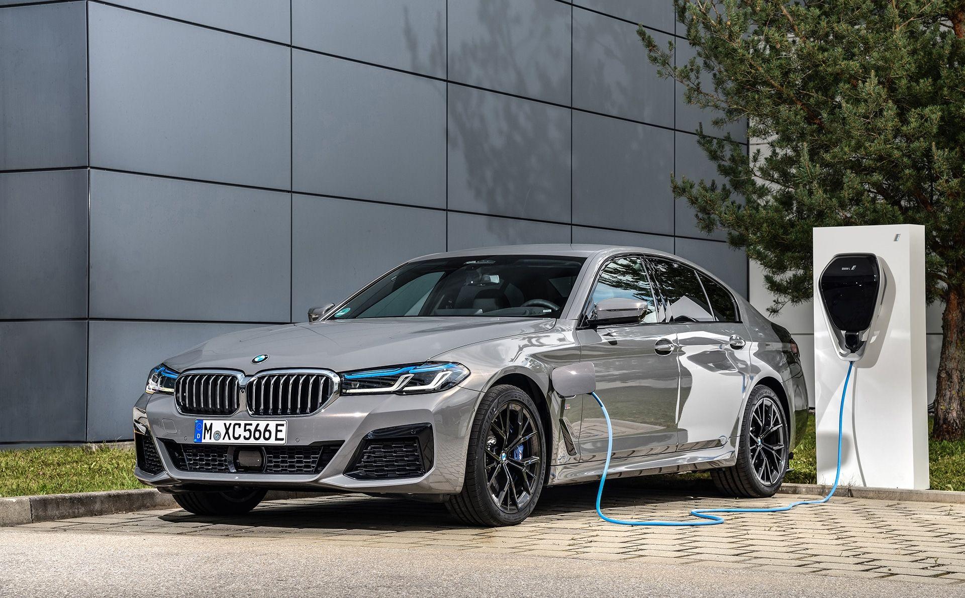 BMW Série 545e hybride rechargeable