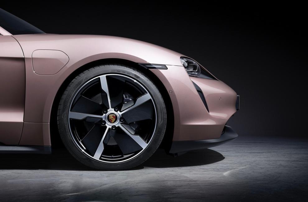 Porsche Taycan 2021 jantes 21 pouces