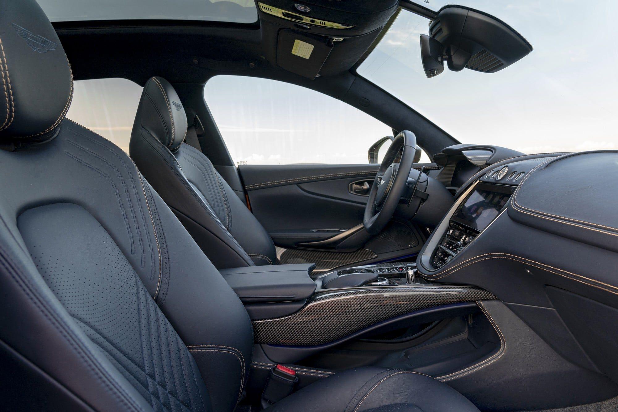 Aston martin DBX habitacle