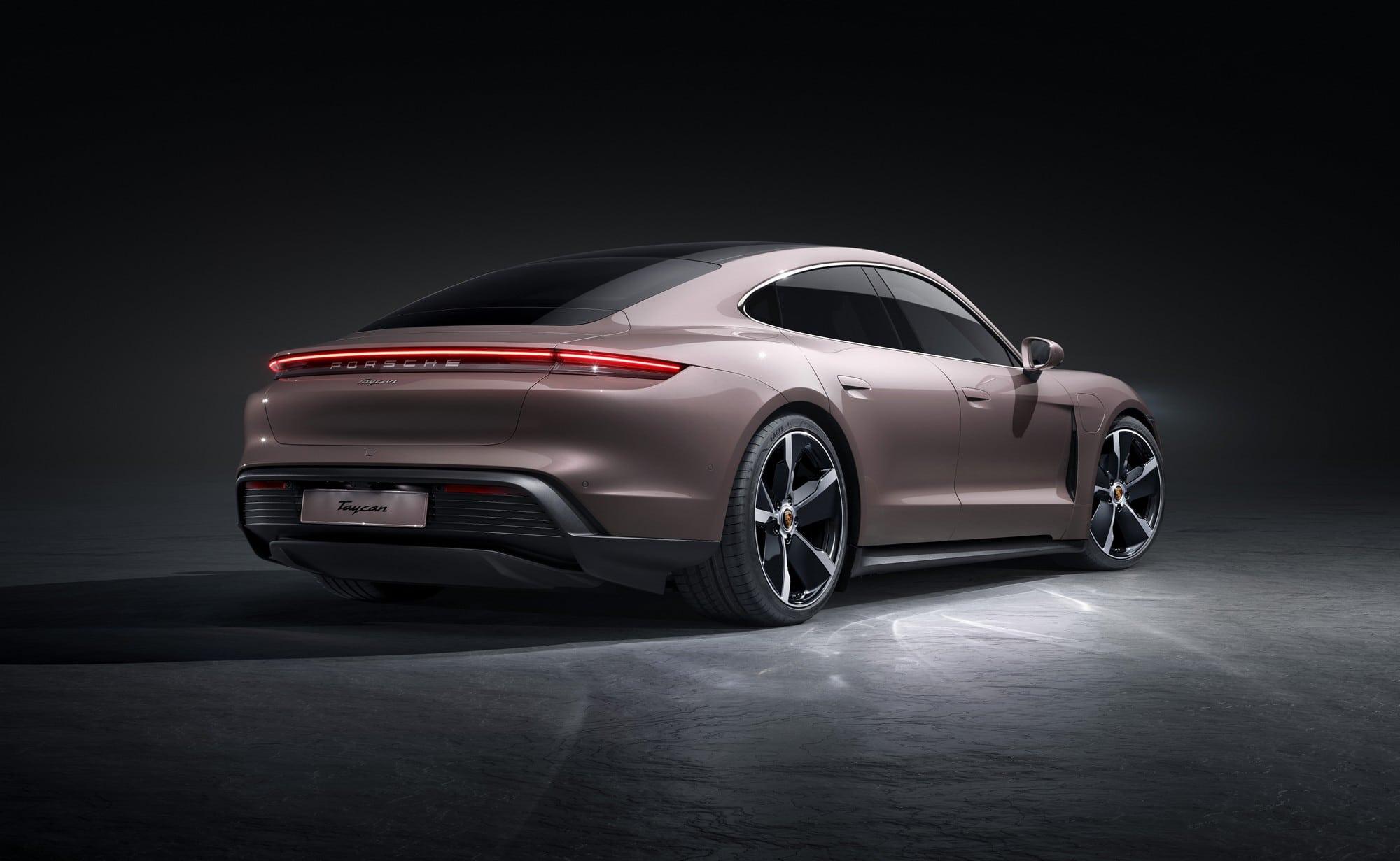 Porsche Taycan 2021 vue arrière