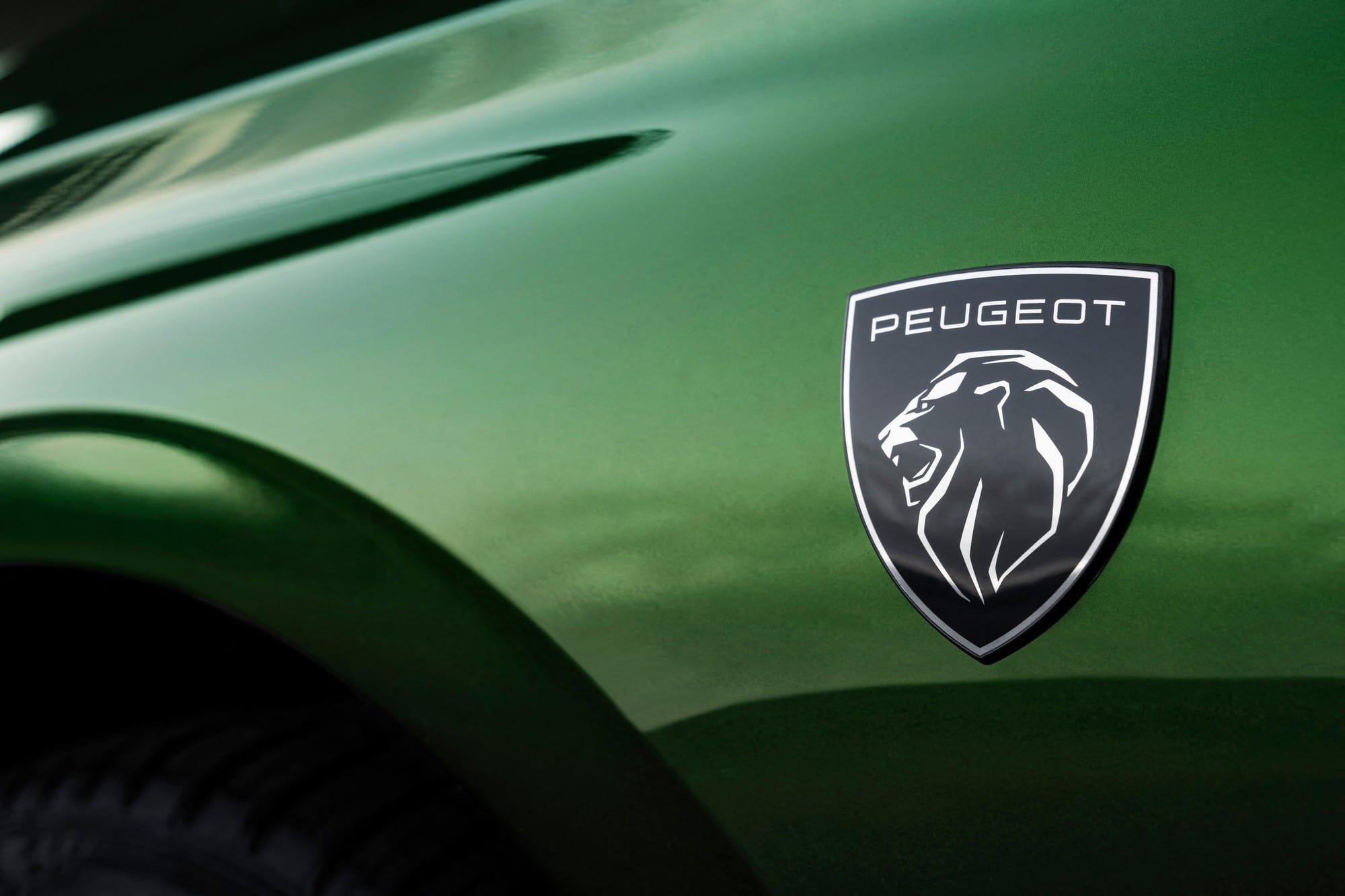 Nouvelle Peugeot 308 2021 logo latéral