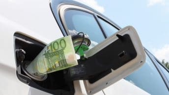 essence carburant 100 € voiture cout